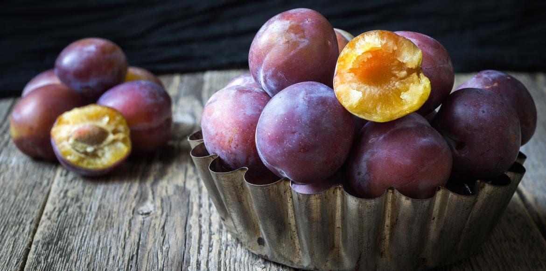 Prunes - Bienfaits santé, vertus, propriétés & nutrition ...