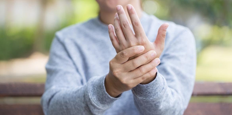 Prévention de l arthrose - 13 Conseils pour vos articulations ... ee1d239b1d25